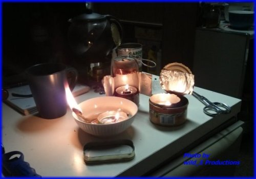 Veggy, Veggie oil lamps, floating candles, Hurricane candles, Hurricane Lamps, improvised lamps, vegetable oil lamps, made from pop cans, tuna cans, salmon cans, natural fibre jute string, natural fiber jute string.